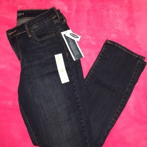 NEW Size 4 Straight Jeans